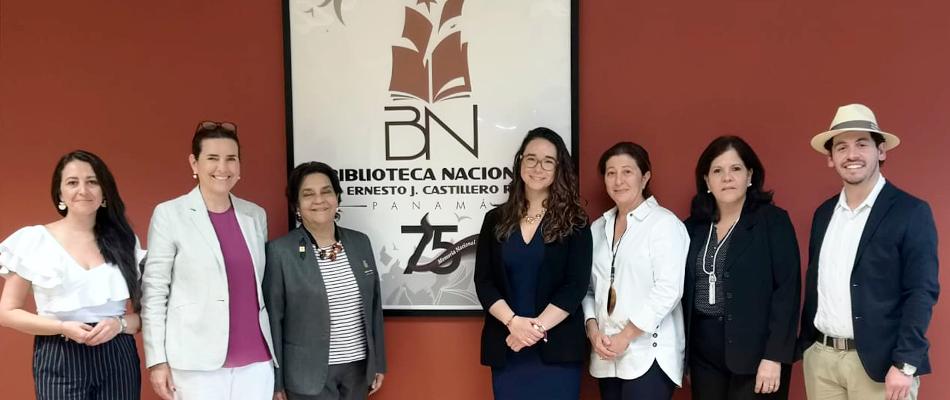 Reunião na Biblioteca Nacional do Panamá Ernesto J. Castillero